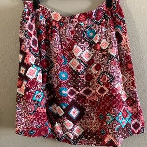 Geo print mini skirt 🌸